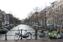 There are 1,281 bridges in Amsterdam.