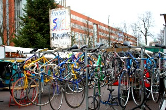 City authorities estimate that there are over 600,000 bikes in Amsterdam.